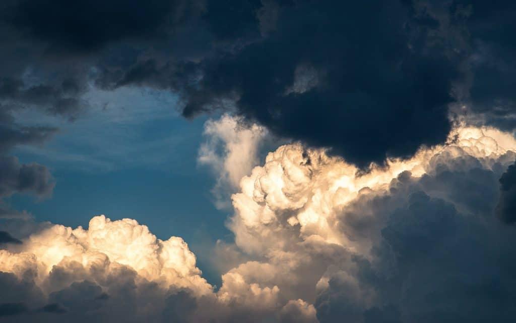 Clouds, cover picture post La Nina